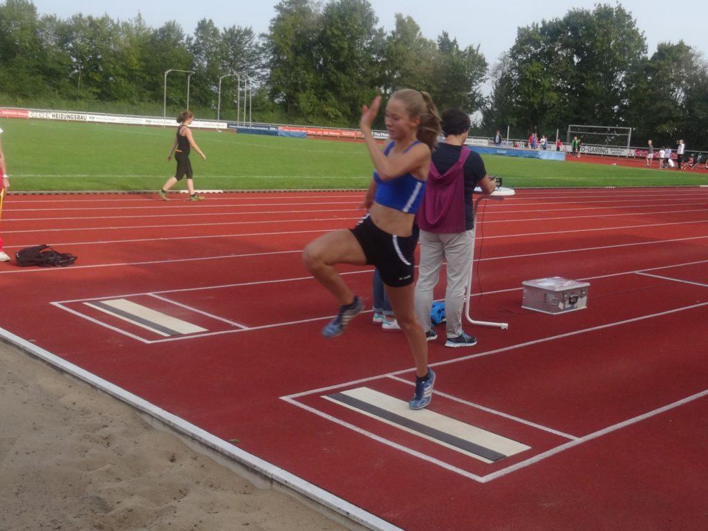 Sportfest Ehingen: Kathrin b. Weitsprung